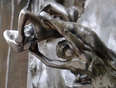 Que racontent les pierres sculptées ?